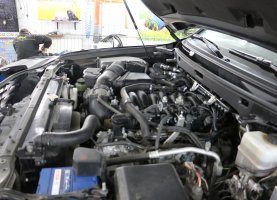газ на Lexus Black LX 570